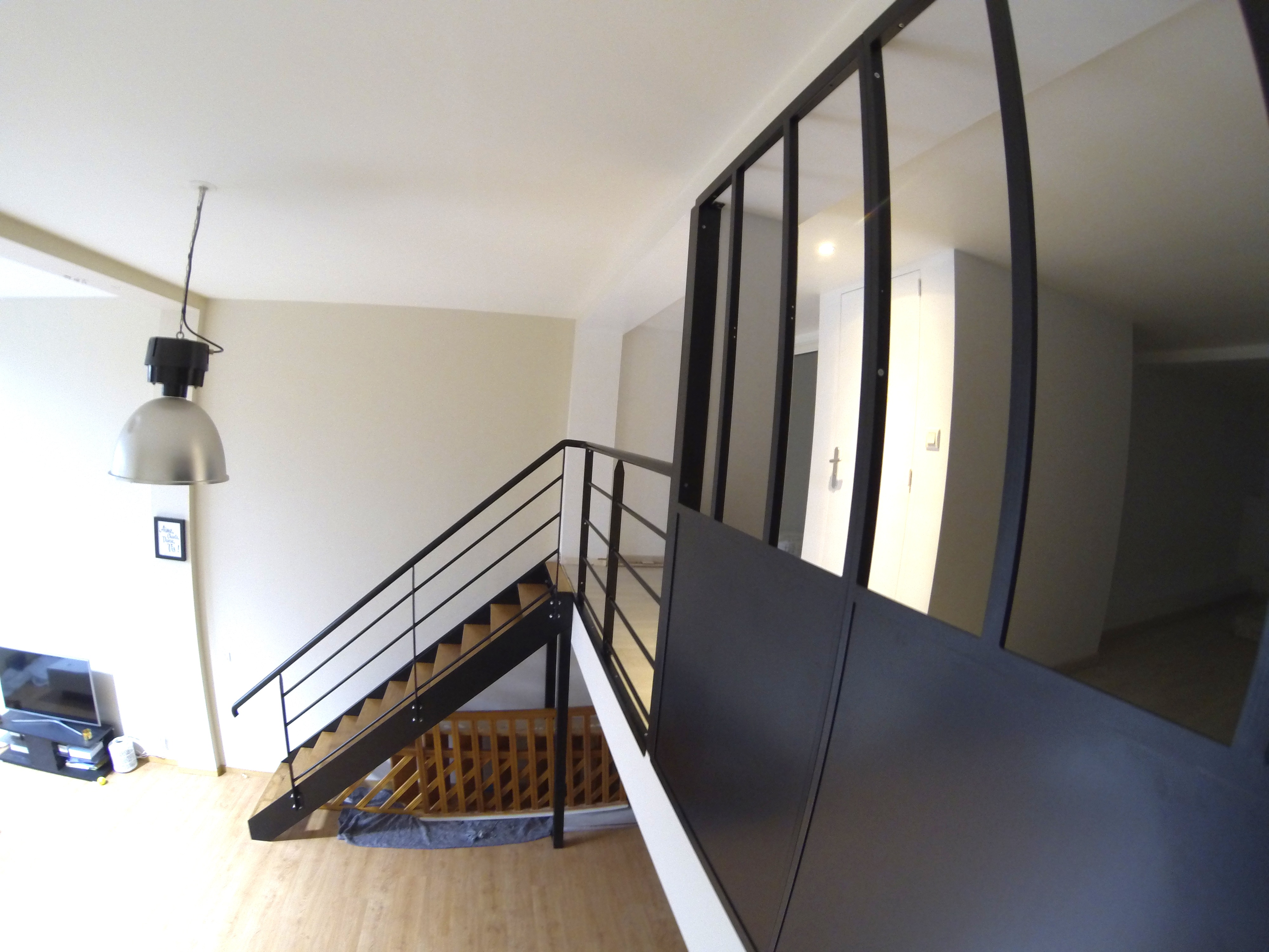 escalier escamotable pour mezzanine escalier mezzanine sur mesure tournant 1000 ideas about. Black Bedroom Furniture Sets. Home Design Ideas